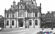 Dubbel Delft - Markt met stadhuis