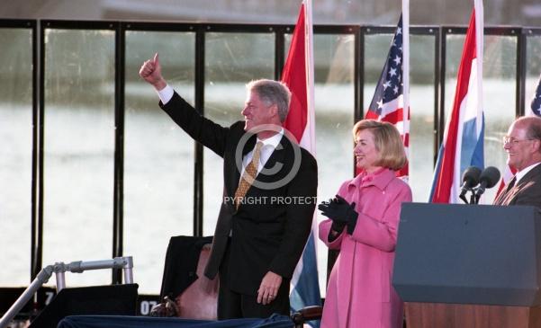 Clinton bezoekt Rotterdam