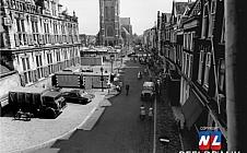 Dubbel Delft - markt richting stadhuis en Nieuwe Kerk